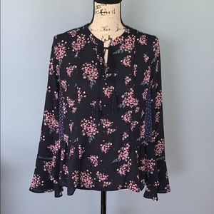 Q & A Medium navy blouse with pink flowers
